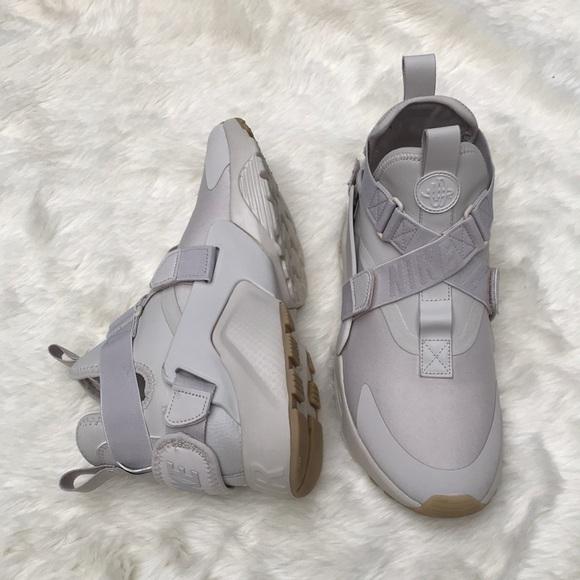 new styles 70085 194fd Nike Air Huarache City Desert Sand Size 10. M5b00683f2c705d7d9a591bbc